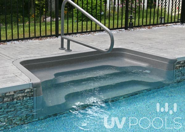 Pool walk in stairs uv pools for Walk in swimming pools